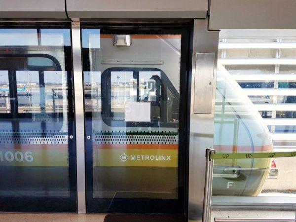 Transit Travel in Toronto - UP Express #SeeTorontoNow