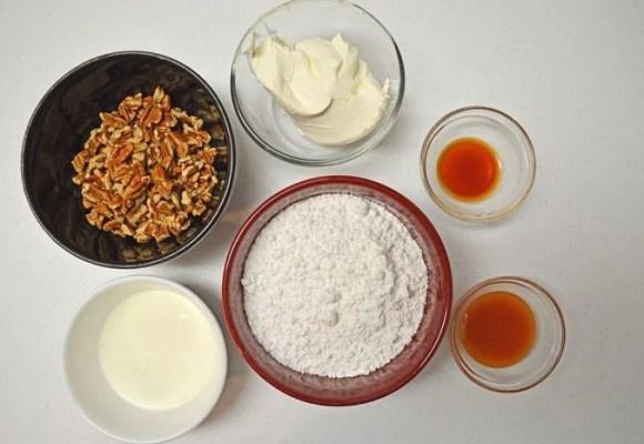 Caramel Pecan Cheesecake Fruit Dip