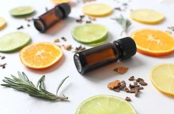 Replacing Cleaning Products with Essential Oils