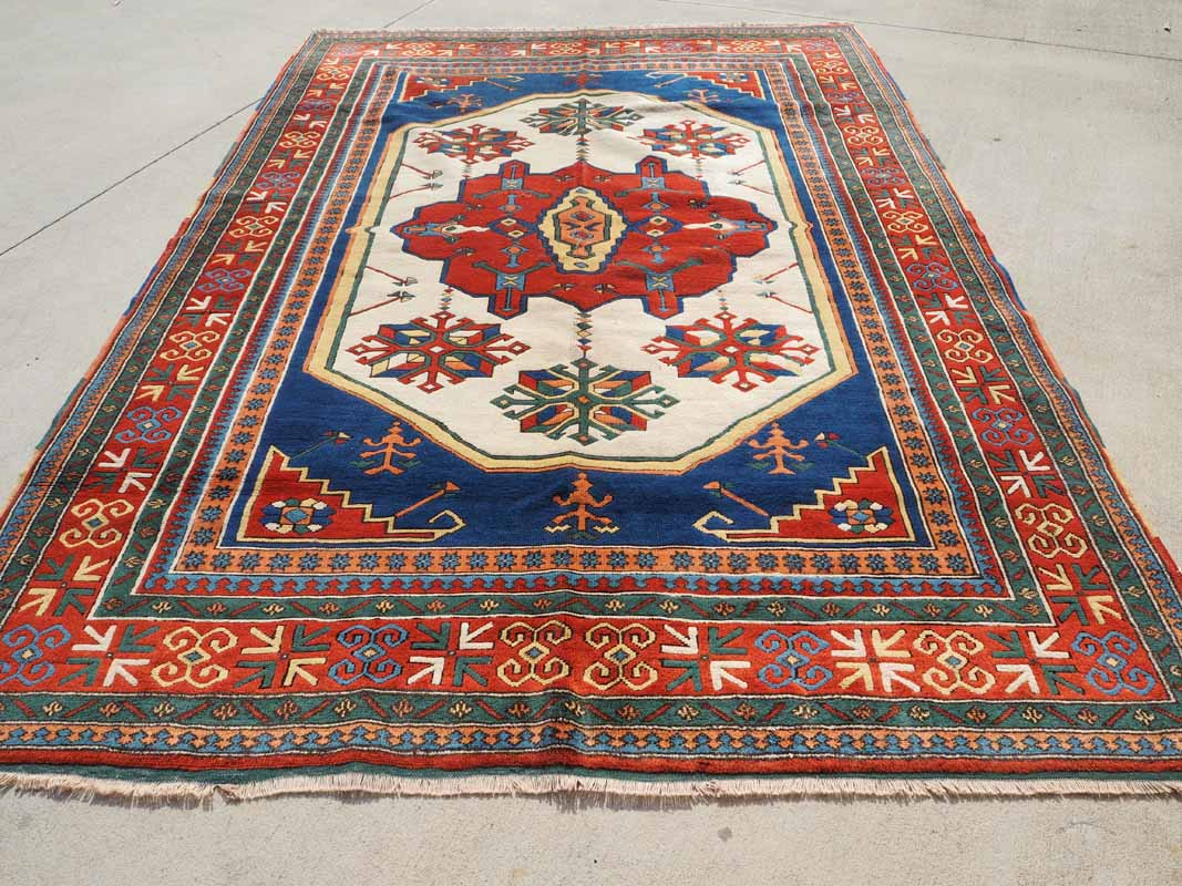 Double knotted Turkish wool Carpet from Yoruk. Approximately 30 years old
