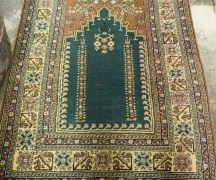 Wool on cotton double knotted hand made Turkish carpet from Kayseri. Approximately 20 - 30 years old