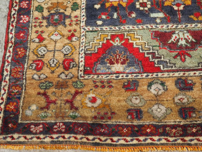 Double knotted hand made Turkish carpet from Taspinar, approximately 40 years old