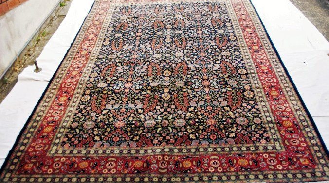 T845 Fine quality hand knotted wool on cotton Turkish carpet from Hereke approximately 60-70 years old 3.1 x 1.93