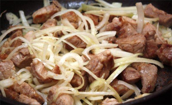3 рецепта сочной жареной свинины на сковороде и советы по приготовлению