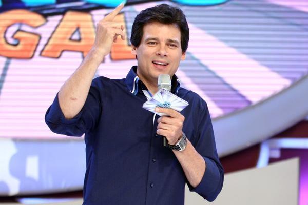 """Celso Portiolli apresenta o """"Domingo Legal"""" (Foto: Divulgação/SBT)"""
