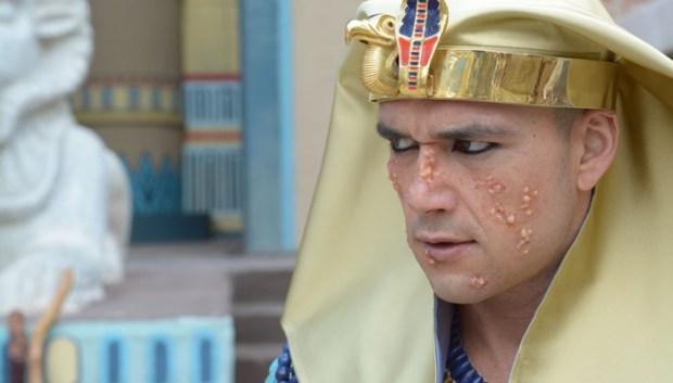 """Sérgio Marone em cena de """"Os Dez Mandamentos"""" (Foto: Michel Ângelo/Record)"""