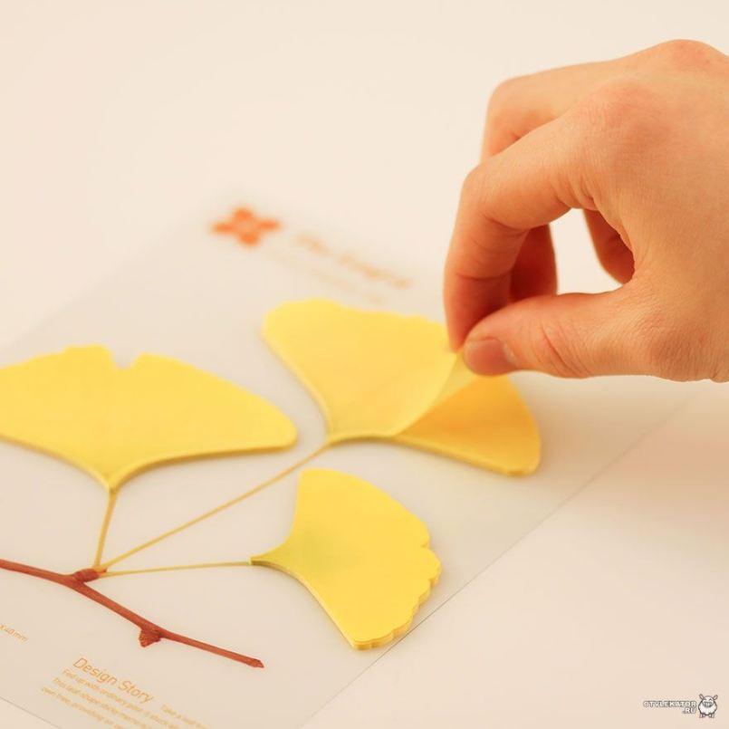 использование живых листье в оформлении бумаги