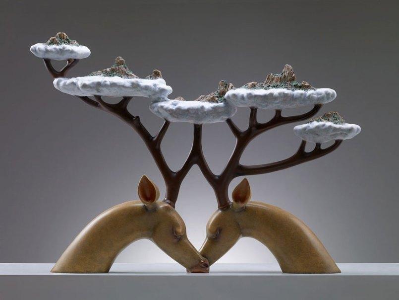 скульптура оленей с облаками на рогах