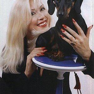 Ирина Мирошниченко с таксой