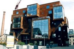Spory kawał odważnej i nowoczesnej architektury w Tallinie - podczas mojej wizyty jeszcze w trakcie budowy centrum handlowe na wybrzeżu