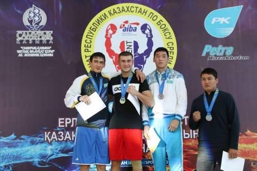 Стали известны чемпионы Казахстана по боксу и лучший боксер турнира 2017 года