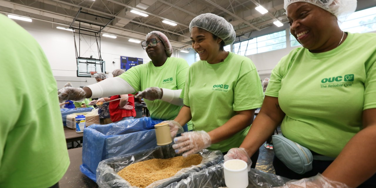 Residential Customer Service Celebrates the Holidays Through Volunteering