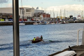 Skiff rows the Liffey