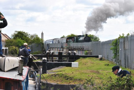 May 05 - 461 Crossing the Royal Canal at the 7th Lock... watched by bargies and others alike...