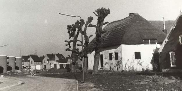 Eerste bouwtaak Houten