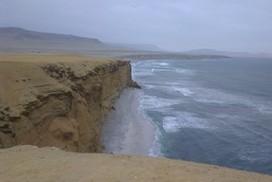 Pérou Paracas Plage Blanche