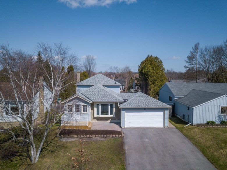 27 Grist Mill Rd - Newmarket Real Estate