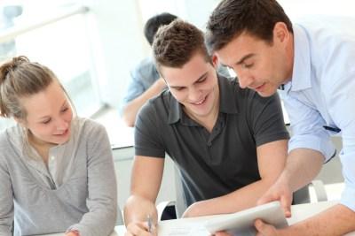 classroom_students_teenagers