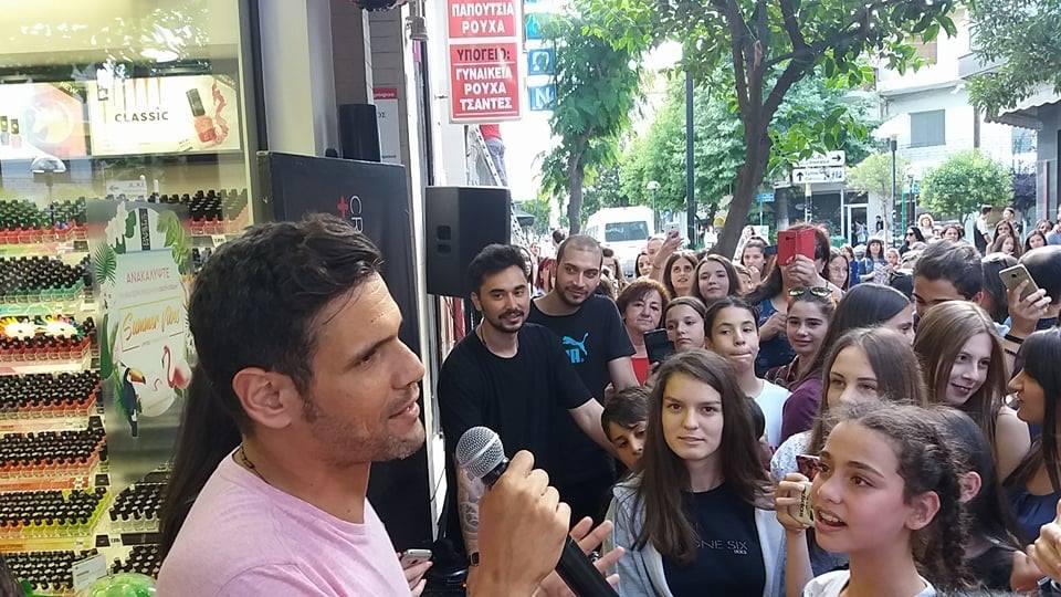 Παρουσία του Δημήτρη Ουγγαρέζου και της Ειρήνης Κολιδά εγκαινιάστηκε το κατάστημα καλλυντικών Dust+Cream στην Πτολεμαΐδα