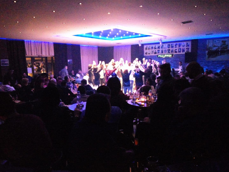 Με τον Κώστα Πουτακίδη, διασκέδασαν το βράδυ του Σαββάτου 13 Ιανουαρίου, στην μουσική σκηνή Ροδάφ'νον, στο Δρέπανο Κοζάνης
