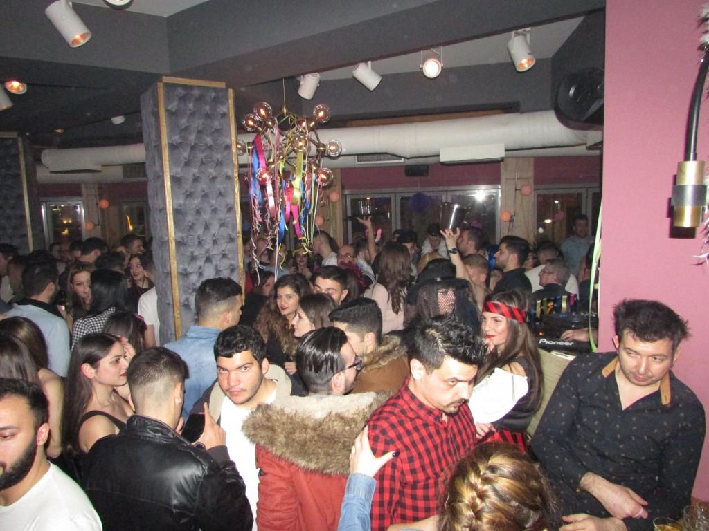 Σάββατο βράδυ, Mεγάλης Aποκριάς, στο Vitrina CoffeeBar Experience στην Κοζάνη