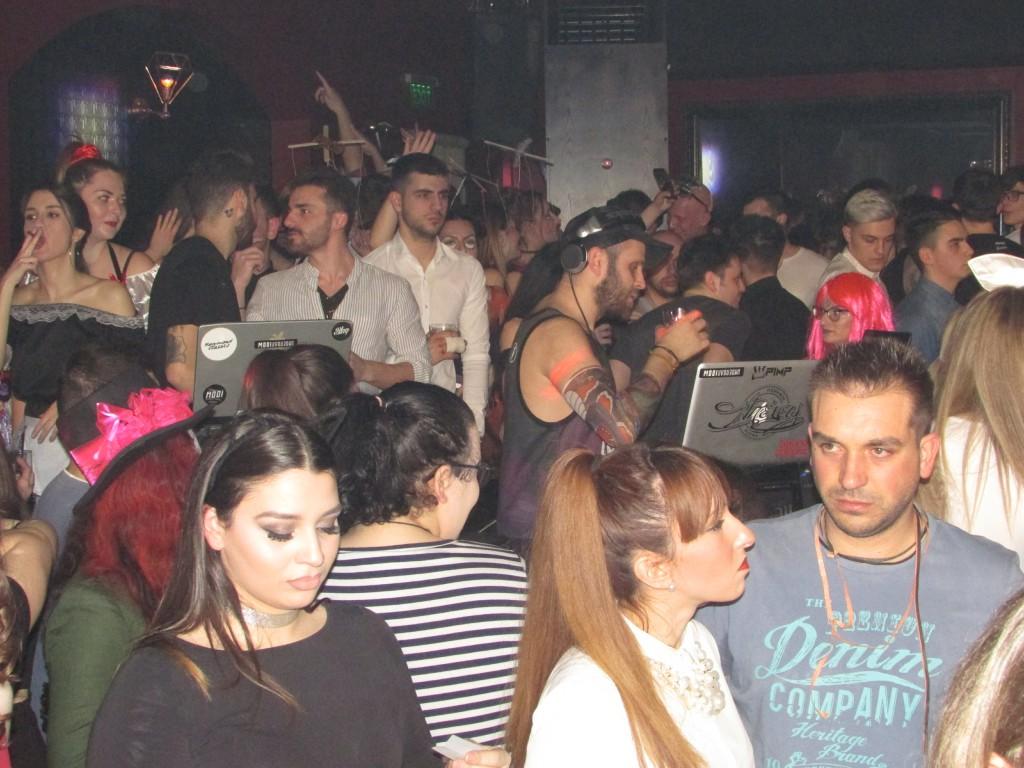 Σάββατο βράδυ, Mεγάλης Aποκριάς, στo Mooi under bar στην Κοζάνη