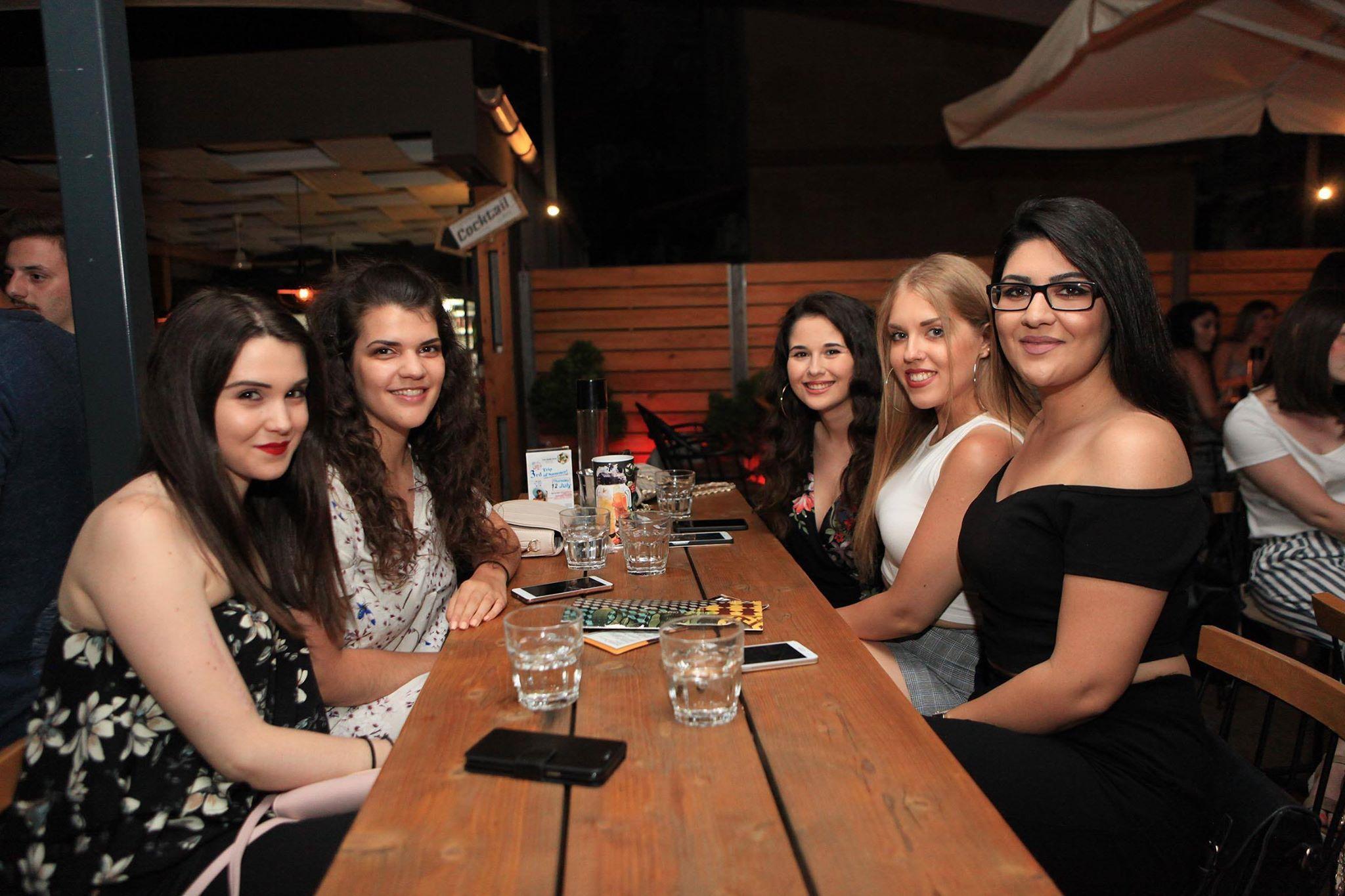 Γεμάτο από κόσμο το «The Mind Bar» στην Κοζάνη, στο καλοκαιρινό πάρτι 3rd Trip of Summer, το βράδυ της Πέμπτης 12 Ιουλίου