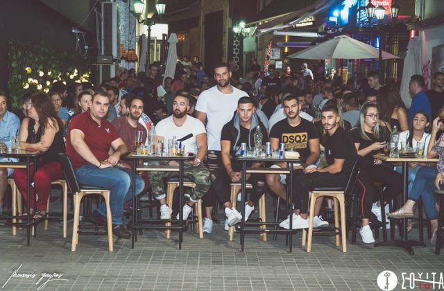 Άλλο ένα «Burger me*****my Darling» πραγματοποιήθηκε το βράδυ της της Τρίτης 11/9, στο  Σουίτα «Gourmet Coffee & Speciality Drinks» στην Κοζάνη