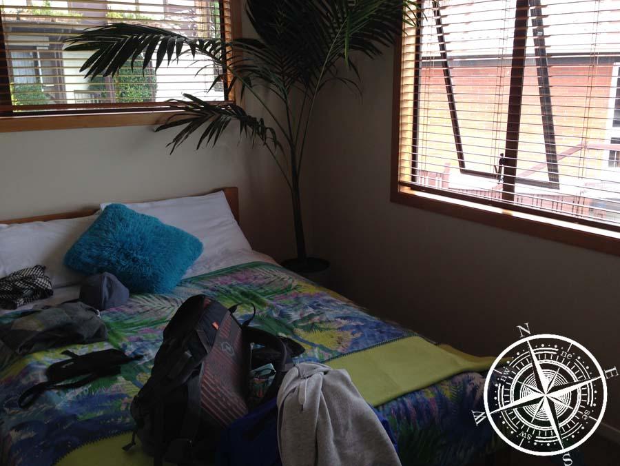 Unser Zimmer und das Bett unter Palmen :D
