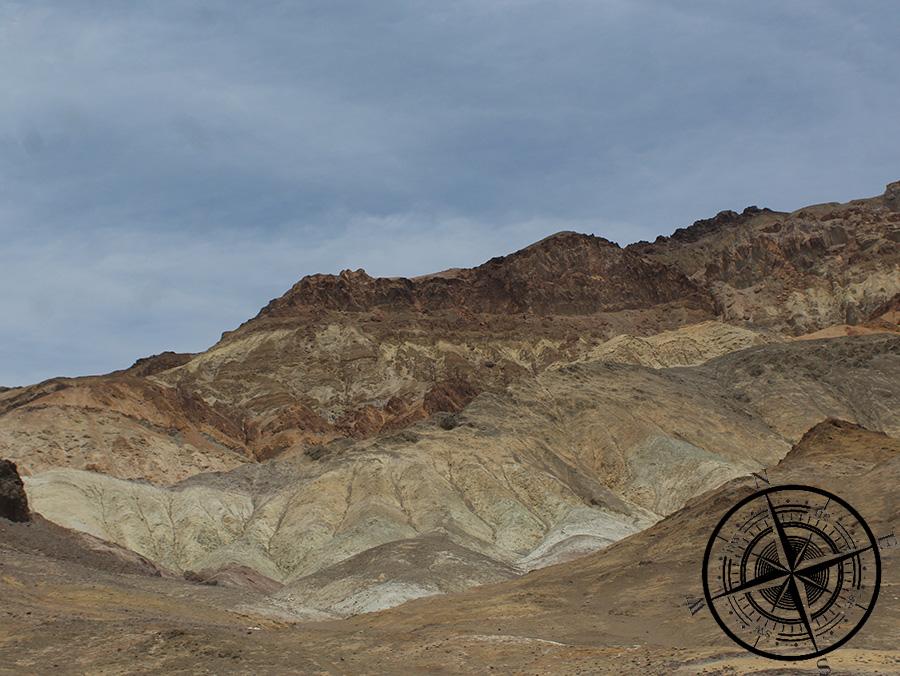 """Eine der einzigartigen unzähligen Felsformationen, hier am """"Zabriskie Point"""""""