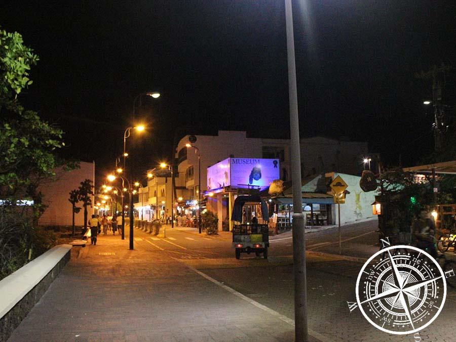 Puerto Ayora bei Nacht