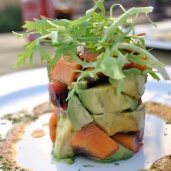 "Avocado-Tamarillo Salat aus dem ""Olives"" in Funchal/Madeira"