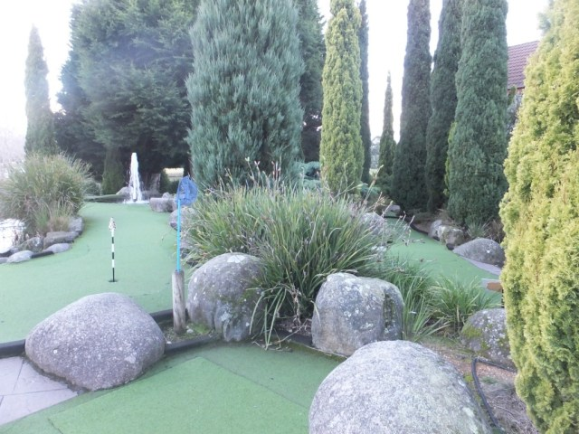 Beautiful well maintained mini golf course.