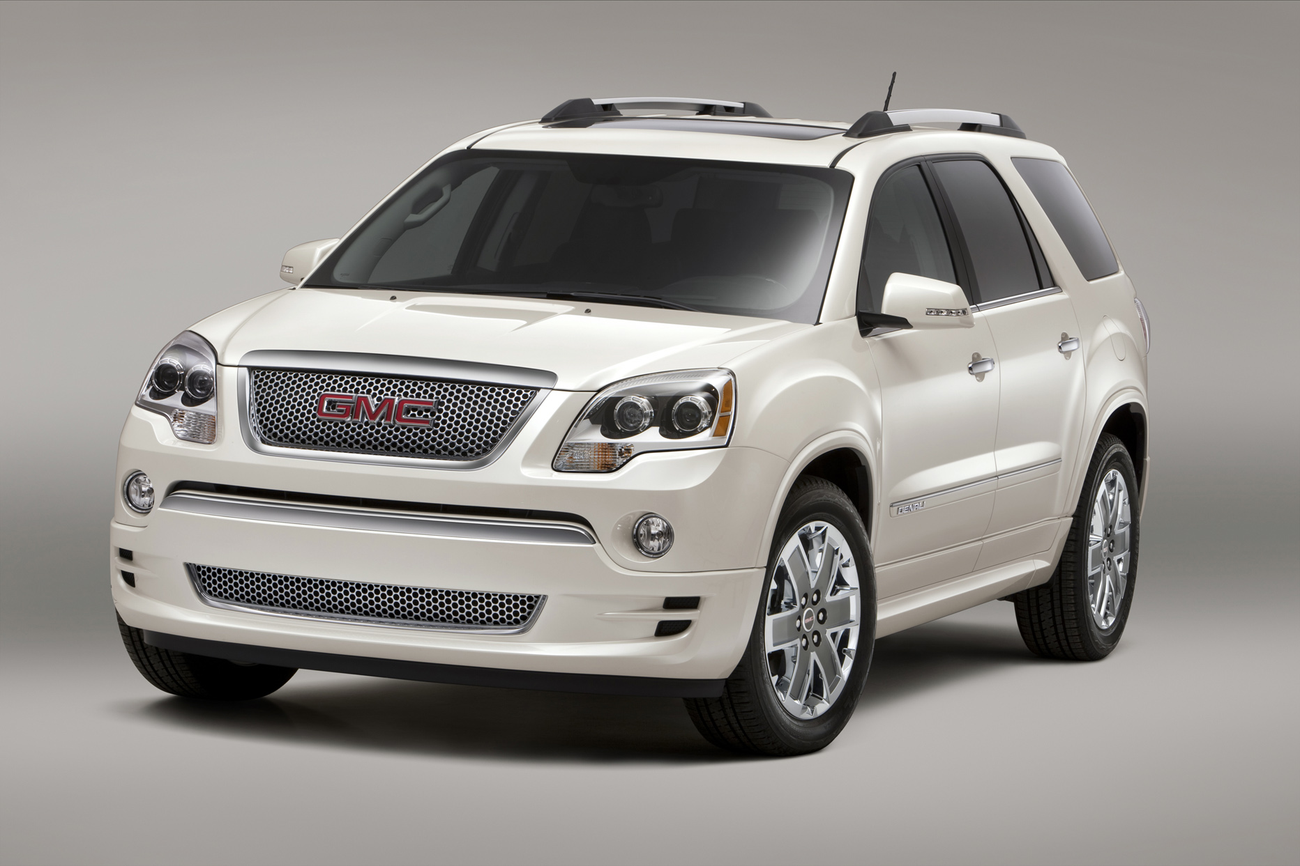 vehicles qatar title acadia gmc living