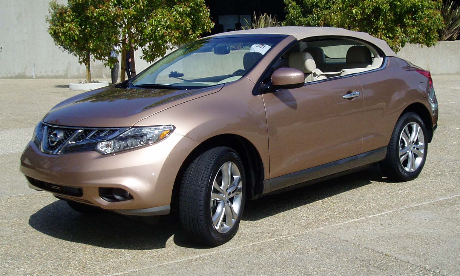 test drive 2011 nissan murano crosscabriolet our auto. Black Bedroom Furniture Sets. Home Design Ideas