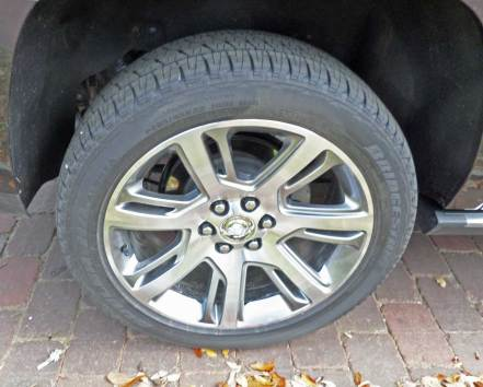 Cadillac-Escalade-ESV-Whl