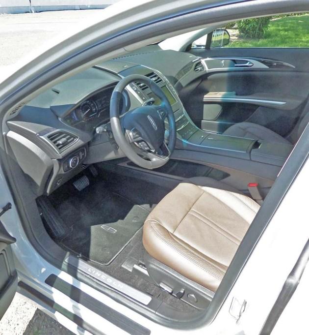 Lincoln-MKZ-Hybrid-Int