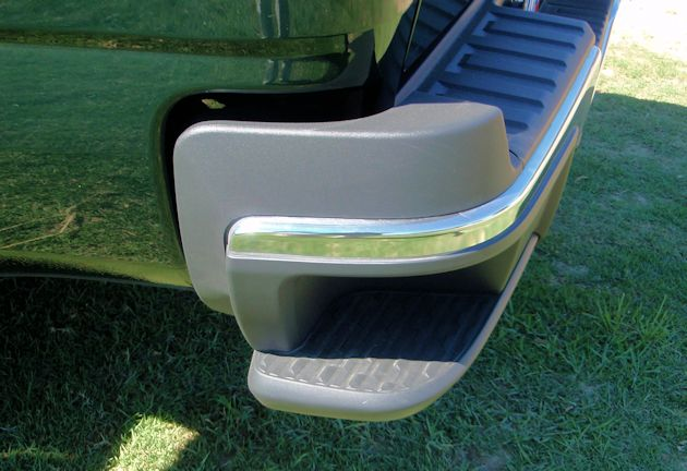 2015 General Motors Canyon rear bumper