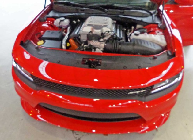 Dodge-Charger-Hellcat-Eng