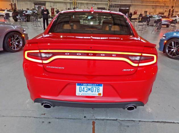 Dodge-Charger-Hellcat-Tail