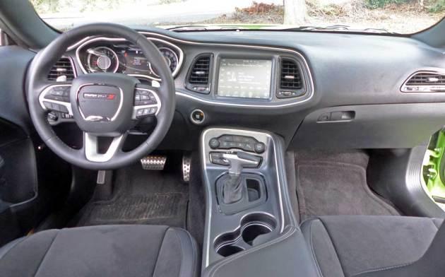 Dodge-Challenger-Scat-Pack-Dsh