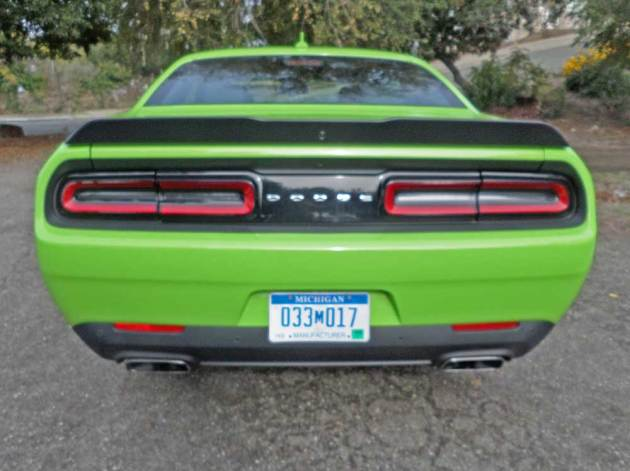 Dodge-Challenger-Scat-Pack-Tail