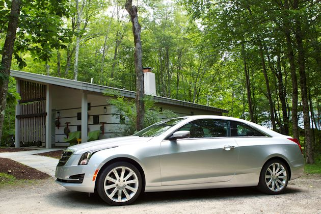 2015 Cadillac ATS Coupe side 3