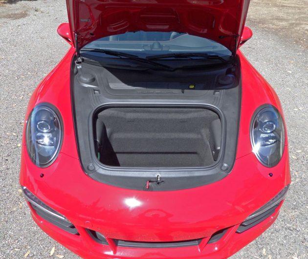 Porsche 911 Carrera GTS Boot