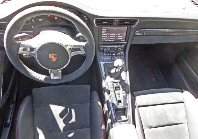 Porsche 911 Carrera GTS Dsh