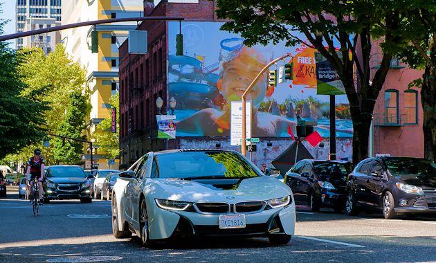 2015 BMW i8 street