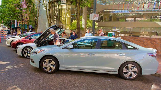 2015 Hyundai driving (2)