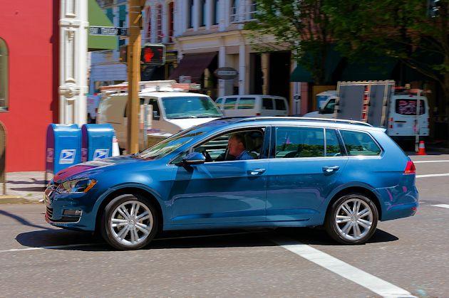 2015 VW Golf SportWagen 2