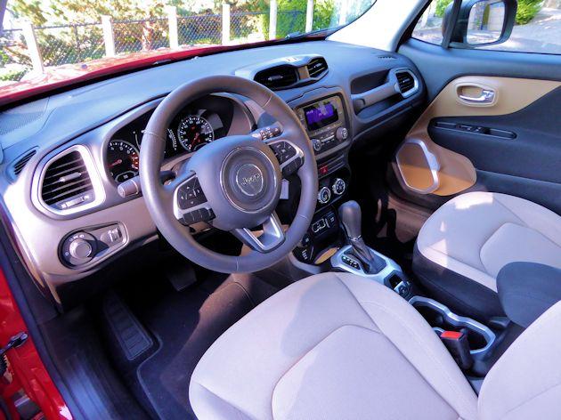 2015 Jeep Renegade interior 2