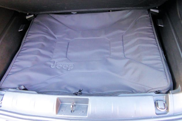 2015 Jeep Renegade roof panel cover